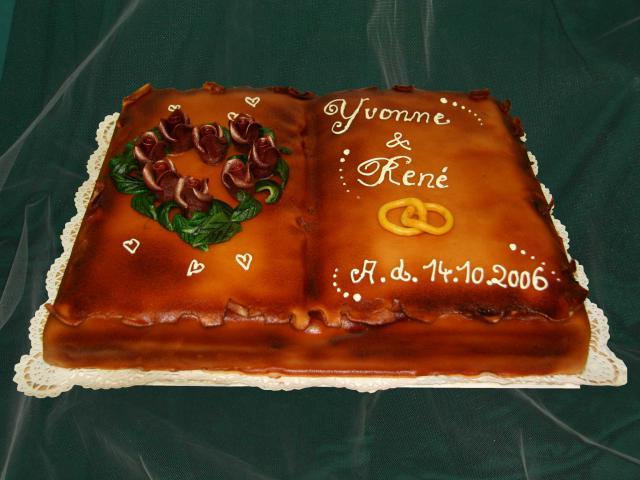 """Kremtorte """"Hochzeitsbuch"""" (#34)"""